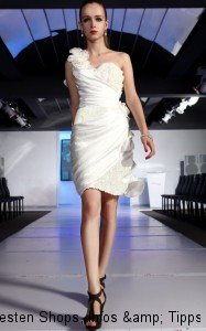 wunderschoenes-weisses-one-shoulder-kleid-35628